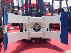 Roll clamp
