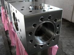 Hydraulic box (hydraulic box) on the drilling pump