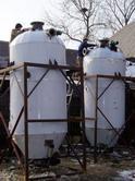 正在生产的啤酒发酵罐
