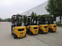 Automatic forklift