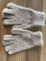 Rabbit hair gloves