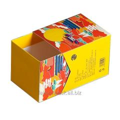 Cutie de ciocolată de formă pătrată, de culoare