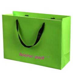 Bright and shining green Fashionable bags for