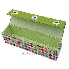 Caja de bombones de forma cuadrada color negro con