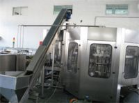 Machines for extraction and stacking of bottles