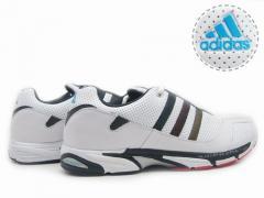 经典运动鞋
