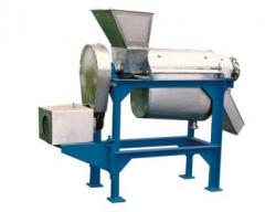The equipment for manufacture and flood of juices