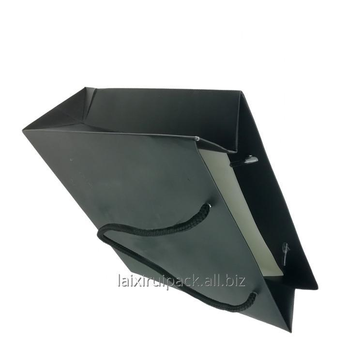 luxury_black_craft_paper_shopping_bag_with_twisted