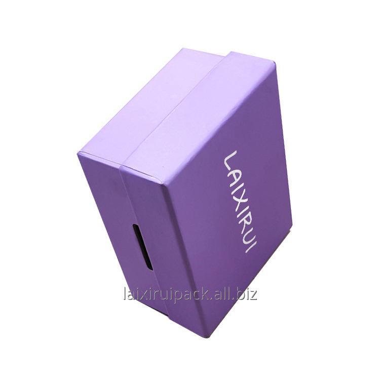 bespoke_luxury_retail_packaging_box_for_brand