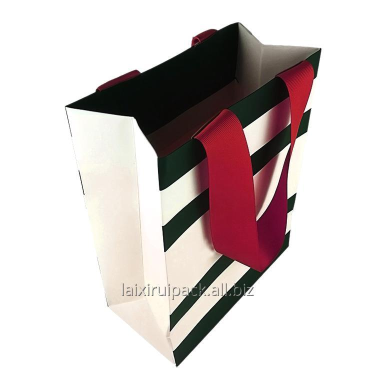 luxury_strip_design_clothing_shopping_bag_with