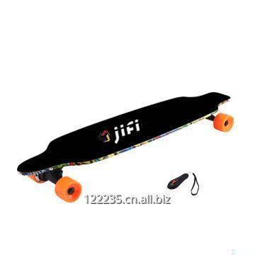 4_wheels_electric_skateboard_with_remoter