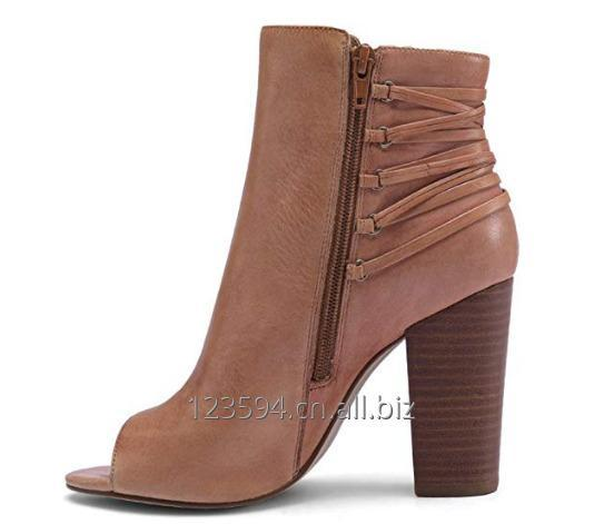 women_shoes_ankle_boots_with_side_strap