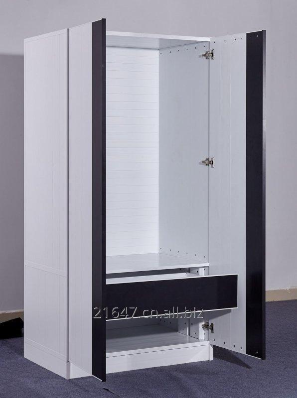 simple_aluminum_clothing_armoire_all_aluminium