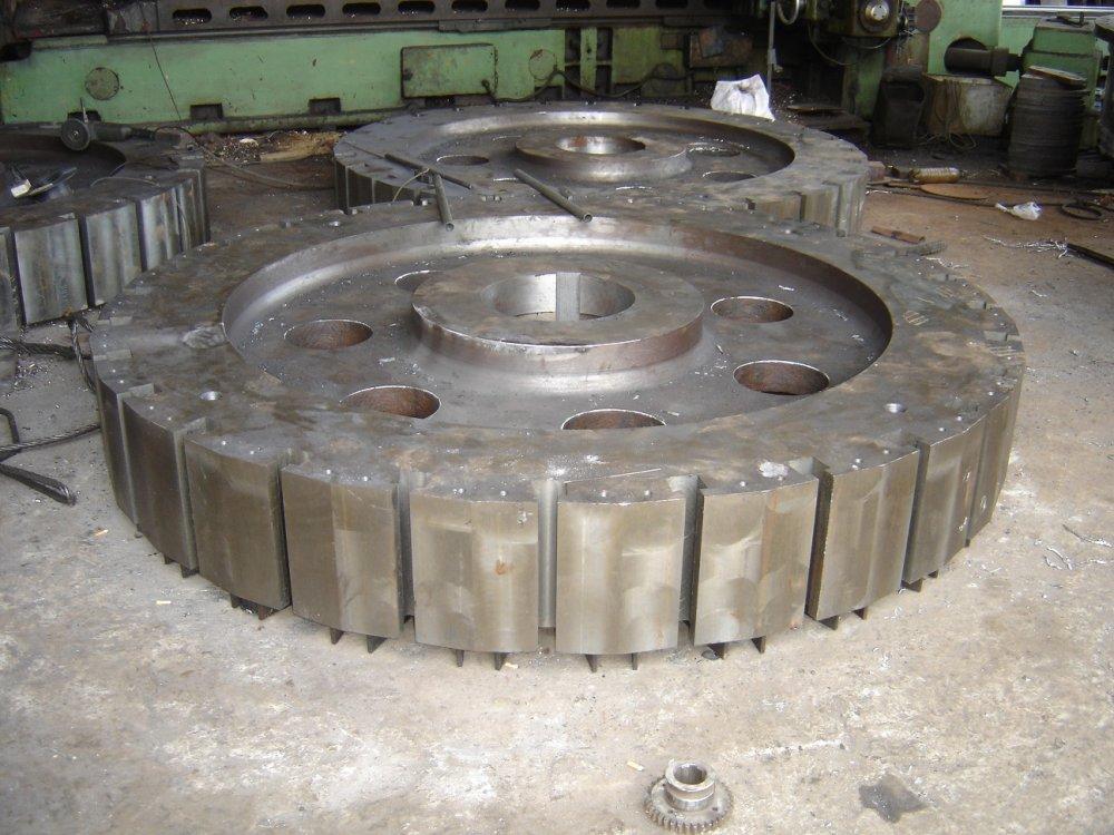 micro_hydro_wind_turbines_pelton_wheel