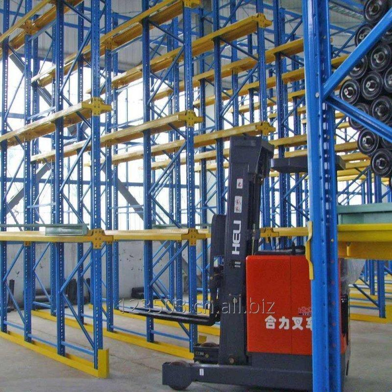industrial_warehouse_storage_drive_in_racking
