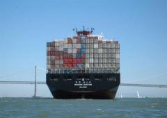 海上运输。