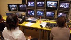 施特劳斯圆舞曲通过北京:CTVS产生蓝光DVD和5.1杜比数字环绕音效。